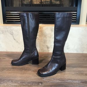 Octagone Vintage Square Toe Tall Boots, Size 7
